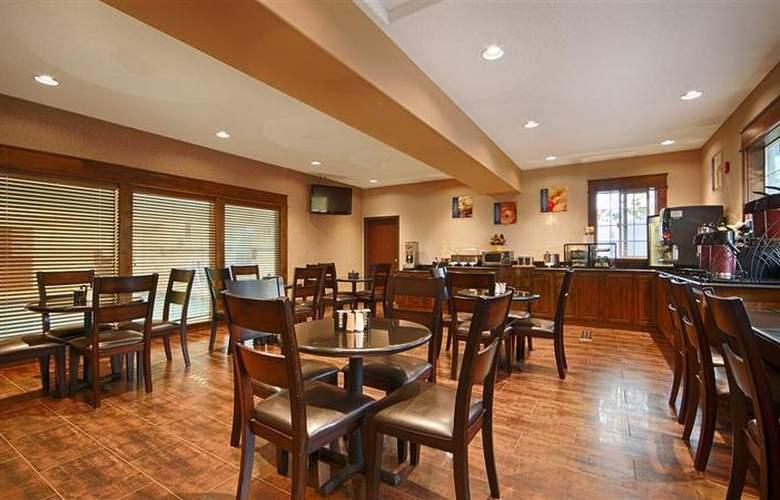 Best Western Plus Prairie Inn - Restaurant - 62