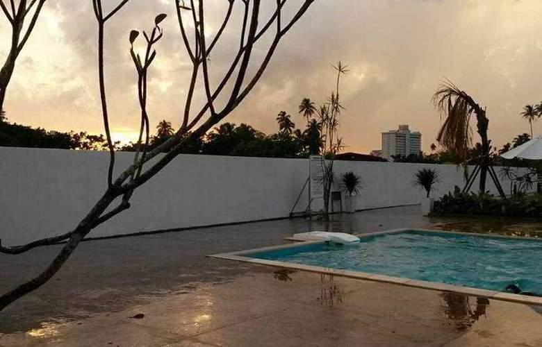Riverra Inn Langkawi - Pool - 11