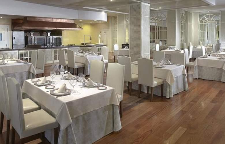 Meliá Sevilla - Restaurant - 28