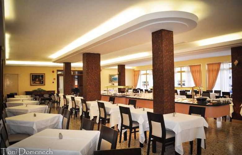 Iris - Restaurant - 12