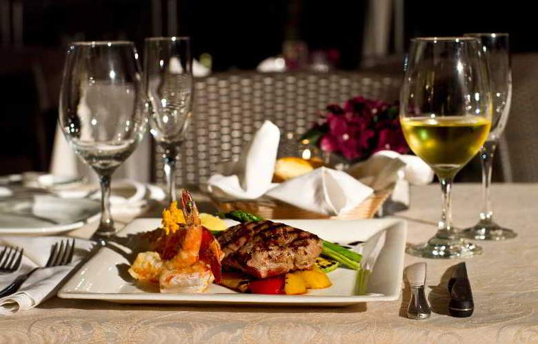 Crowne Plaza Resort Mazatlan - Restaurant - 53