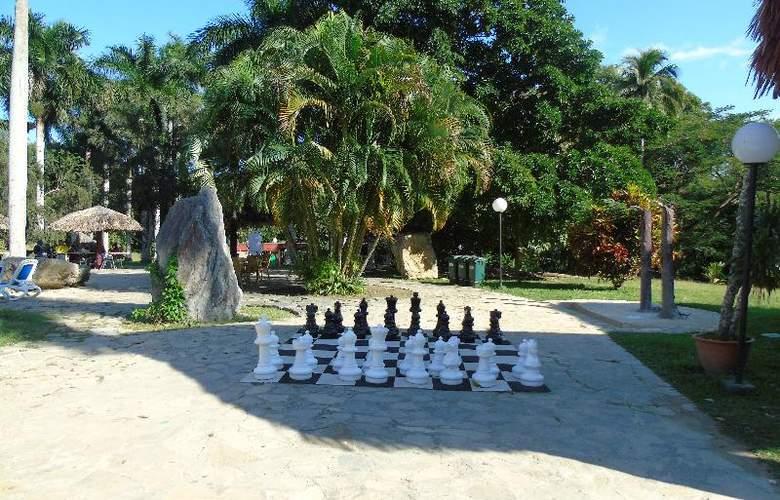Horizontes Villa Soroa - Services - 3