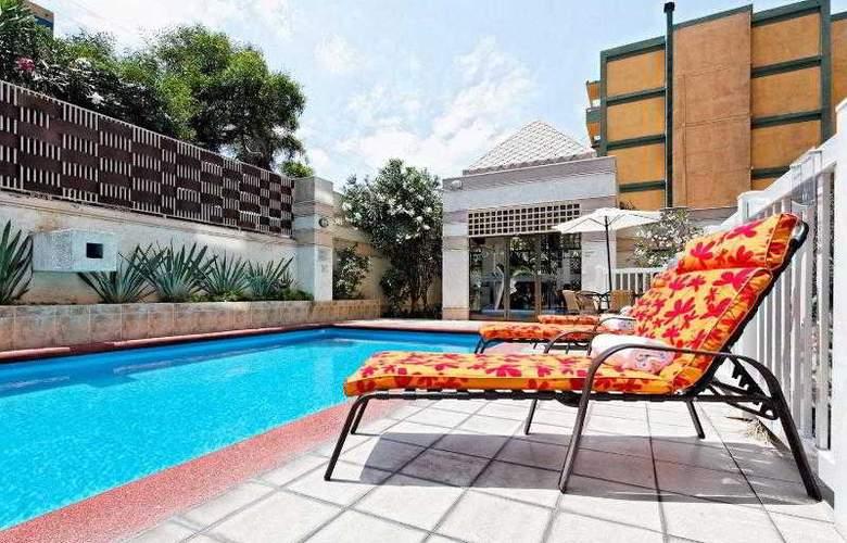 Holiday Inn Express Antofagasta - Pool - 24