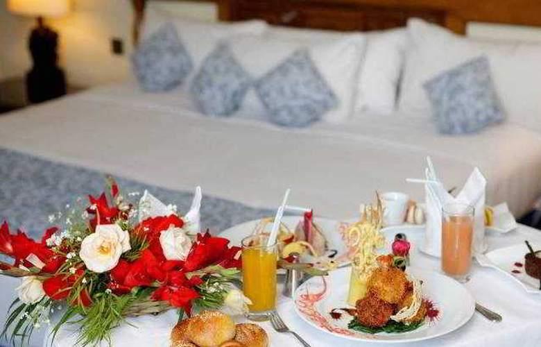 Carlton Hotel - Room - 2
