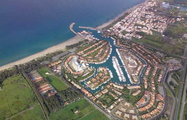 Tindari Resort & Marina Beach - Hotel - 10