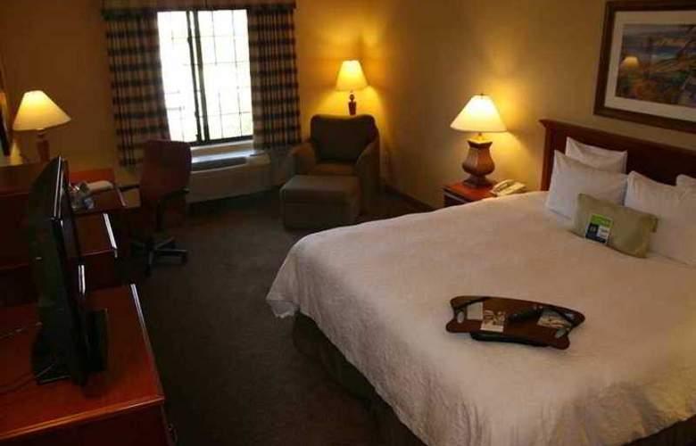 Hampton Inn & Suites Camarillo - Hotel - 1