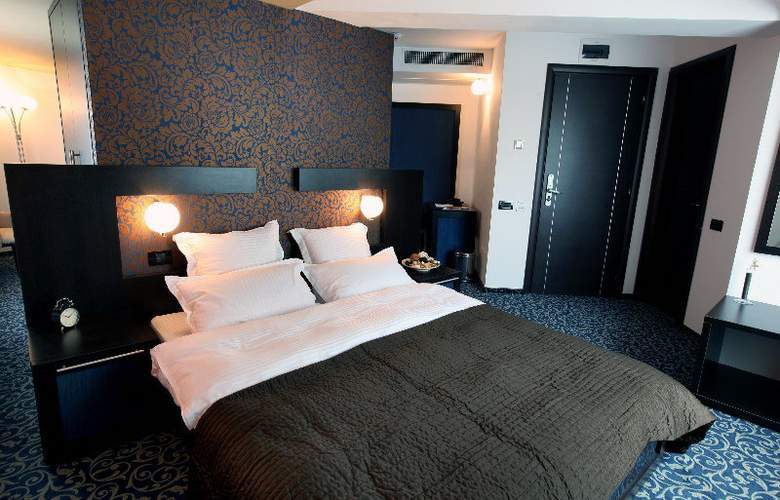 Ambiance Hotel - Room - 5