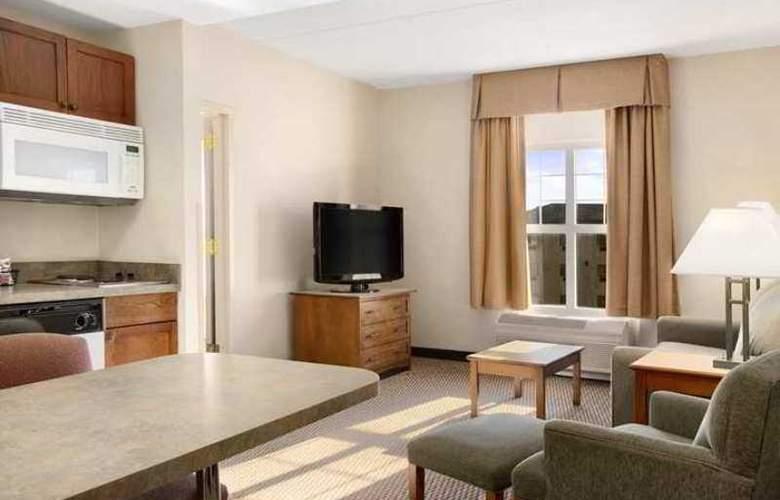 Hampton Inn & Suites Providence Warwick-Airport - Hotel - 4