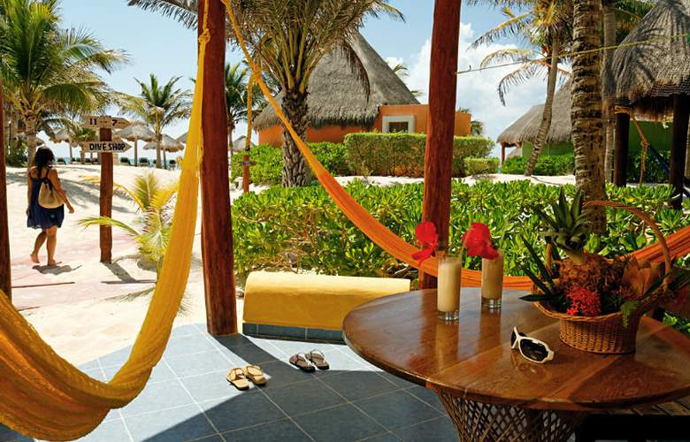 Mahekal Beach Resort - Terrace - 1