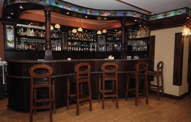 East Legend Panorama Hotel - Bar - 5