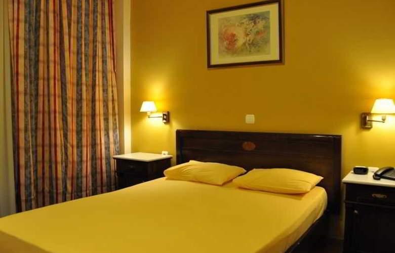 Hotel Chris - Hotel - 9