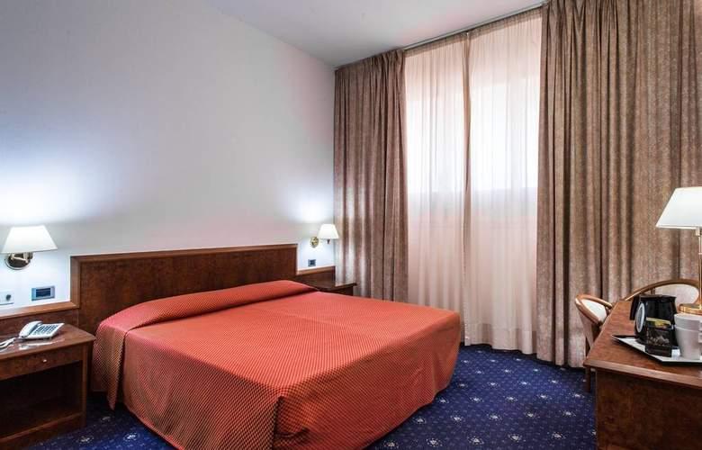 Mirage - Room - 11