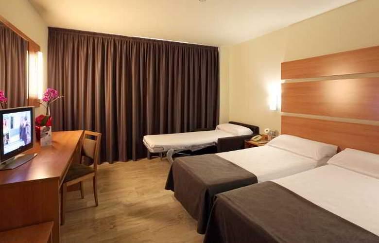 Express Tarragona - Room - 8