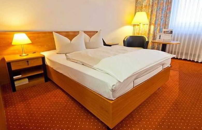 Novina Sudwestpark Hotel - Room - 1