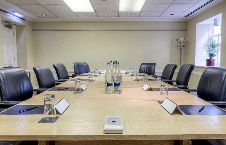Hilton London Euston - Conference - 25