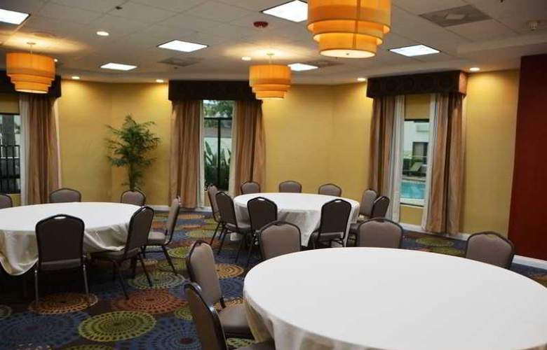 Holiday Inn Fort Myers Downtown Historic - Restaurant - 3