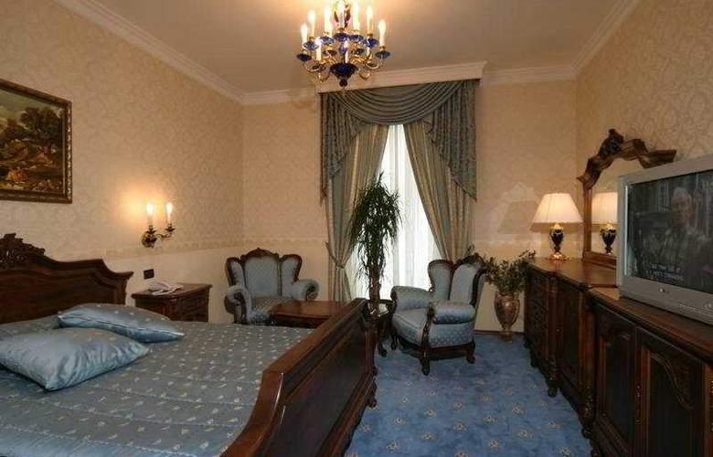 Grand hotel London - Room - 1