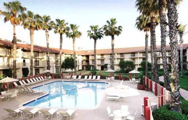 DoubleTree by Hilton Hotel Bakersfield - Hotel - 3