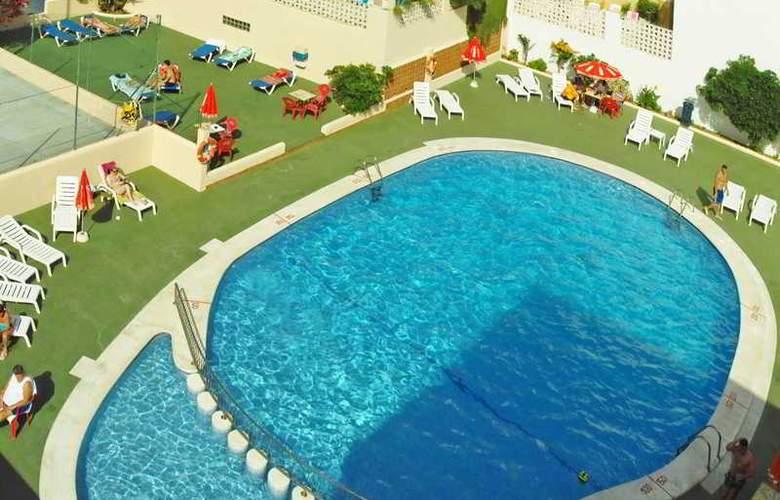 Marian - Pool - 8