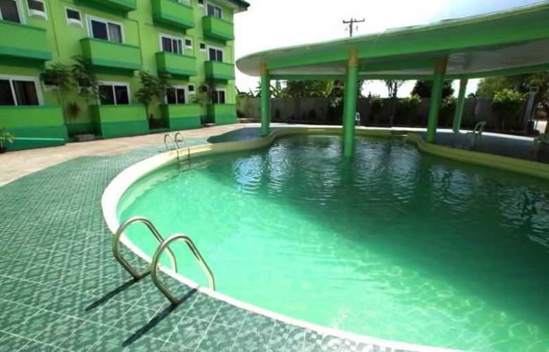 Green One Hotel - Pool - 0