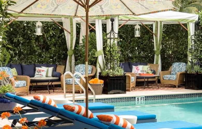 Circa 39 Hotel - Pool - 3