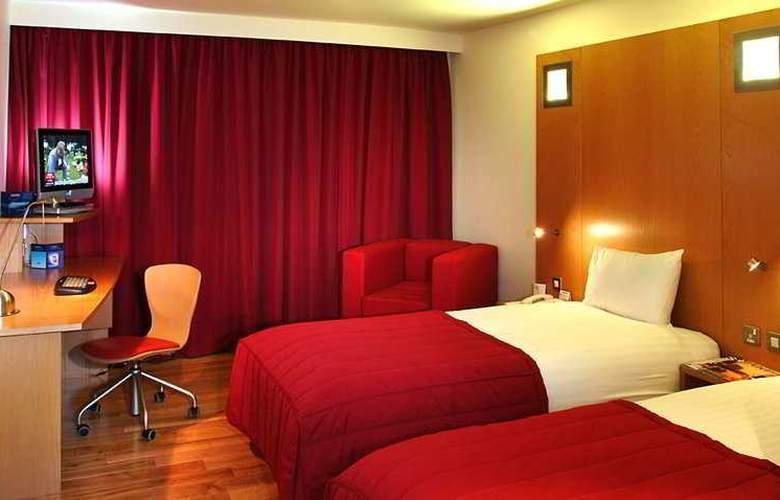 Ramada Encore Milton Keynes - Room - 0