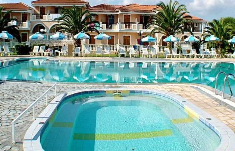 Golden Sun Hotel ZTH - Pool - 3