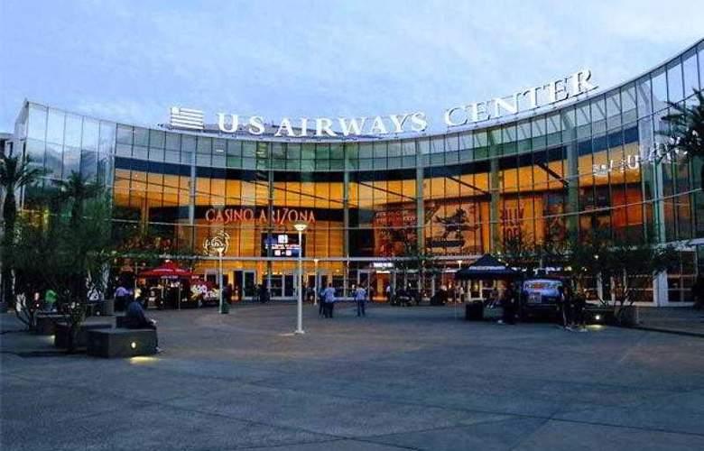 Courtyard Phoenix Airport - Hotel - 23