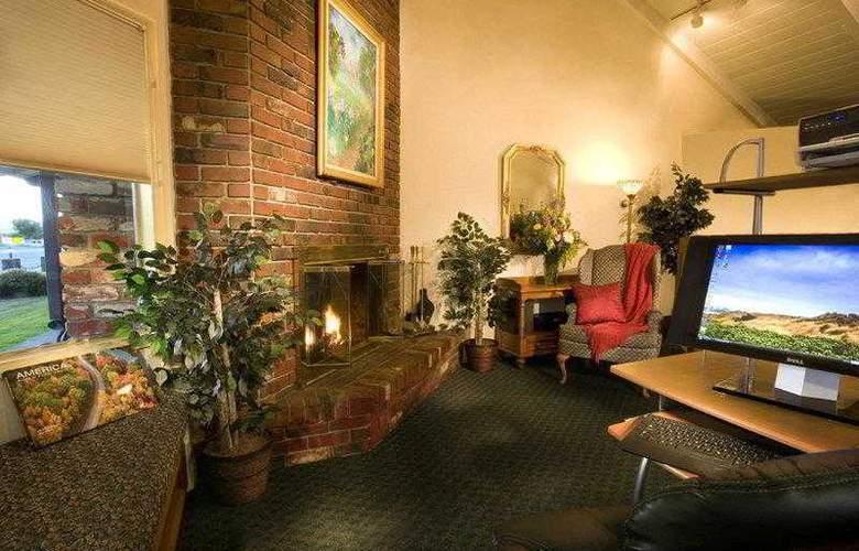 Best Western Plus Garden Inn - Hotel - 9