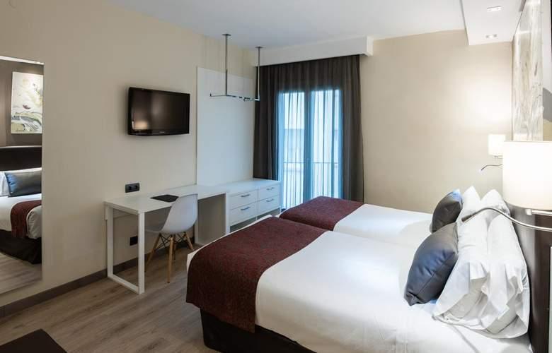 Catalonia Castellnou - Room - 4