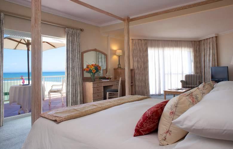 The Beach - Hotel - 0