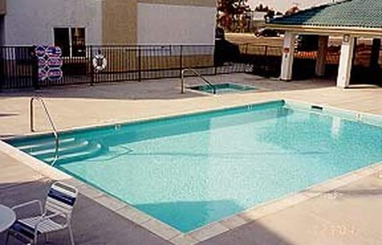 Comfort Suites Otay Mesa - Pool - 3