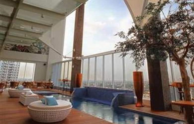 Mercure Jakarta Simatupang - Pool - 10