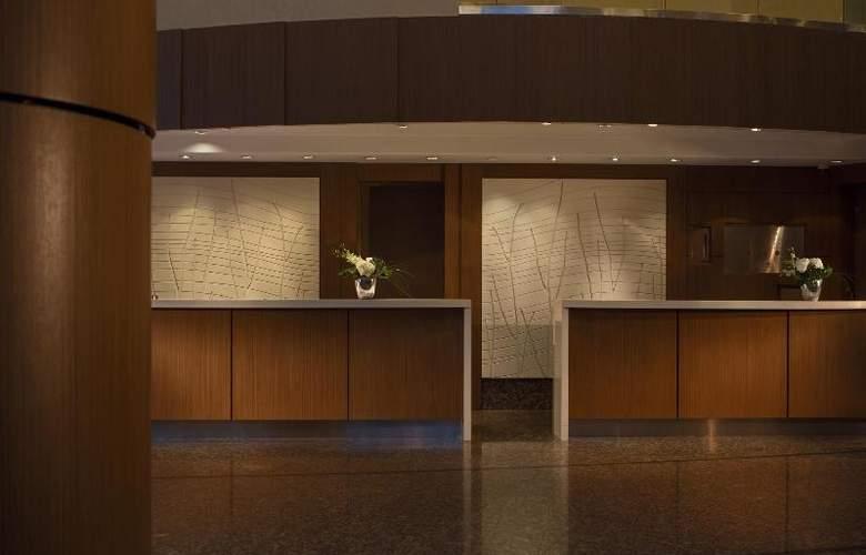 Vancouver Marriott Pinnacle Downtown - General - 8