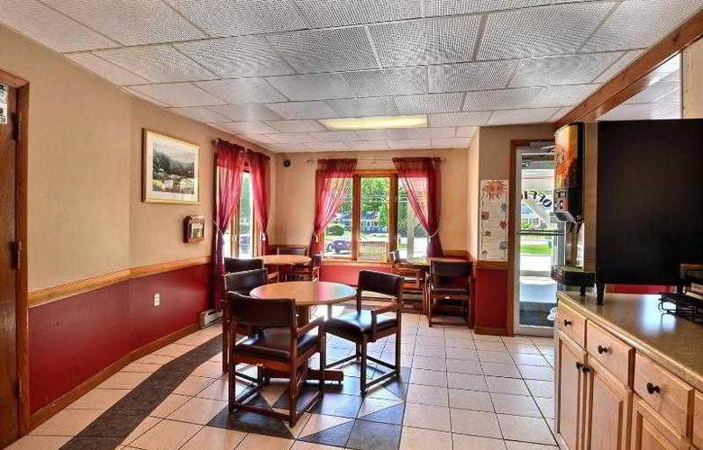 Econo Lodge Inn & Suites - Restaurant - 2