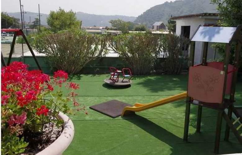 Tennis Hotel - Terrace - 3