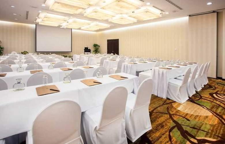 Saigon Prince - Conference - 28