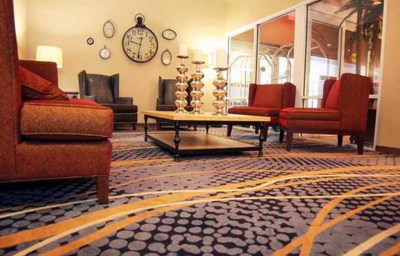 Hampton Inn Charlotte-Uptown - Hotel - 2