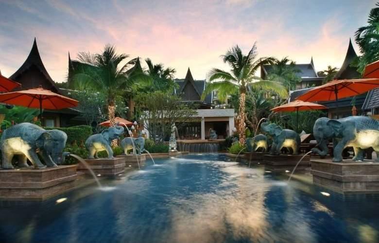 Amari Vogue Resort - Pool - 6