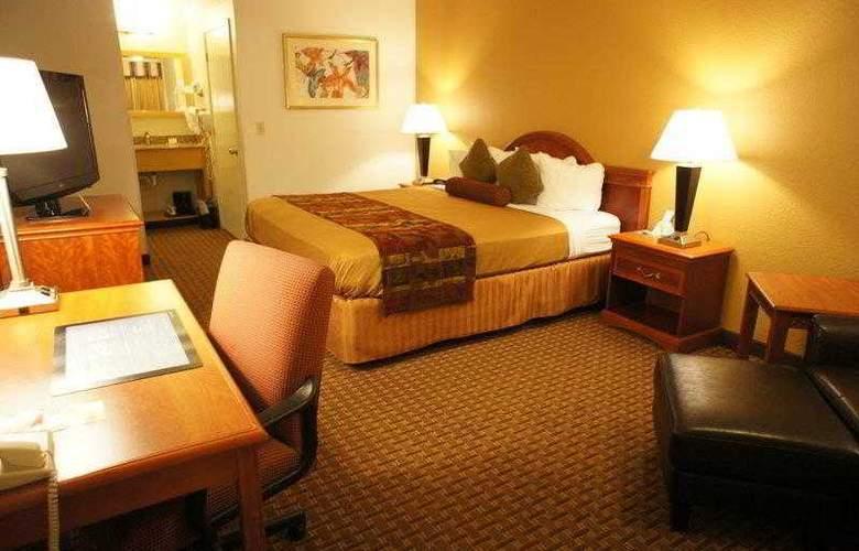 Best Western Plus Orchard Inn - Hotel - 18