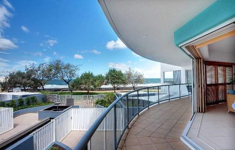 Rolling Surf Resort - Terrace - 10