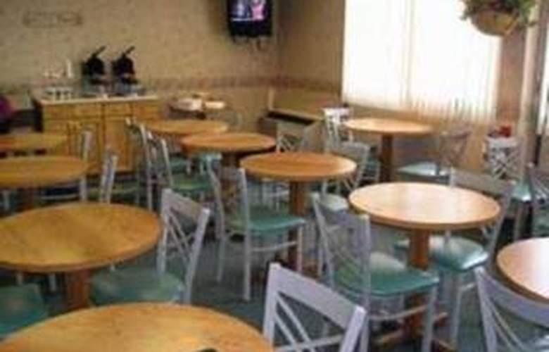 Quality Inn Conference Center - Restaurant - 5