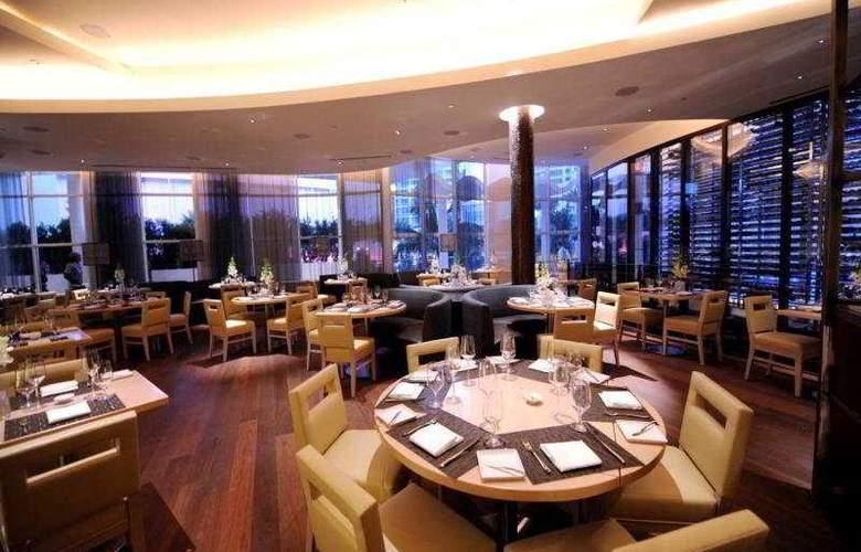 Fontainebleau Miami Beach - Restaurant - 11