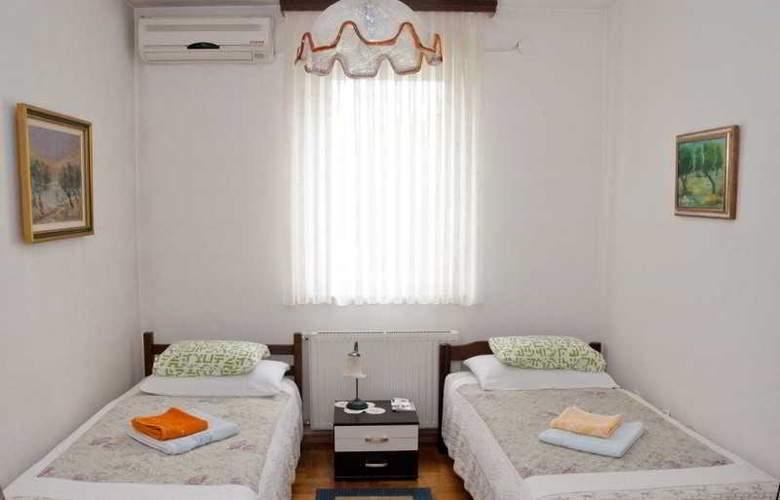 Apartman Urbana Villa - Room - 5