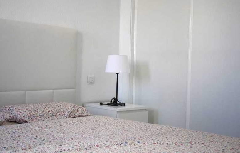 Apartamentos Torrelaguna - Room - 2