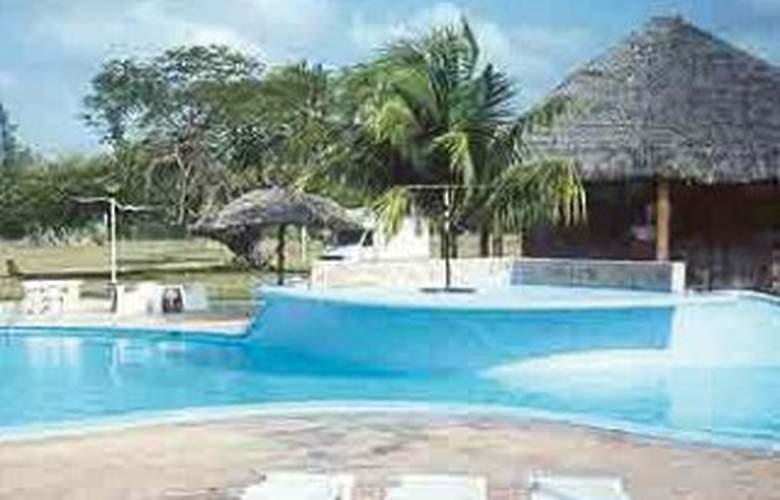 Horizontes Playa Larga - Pool - 1