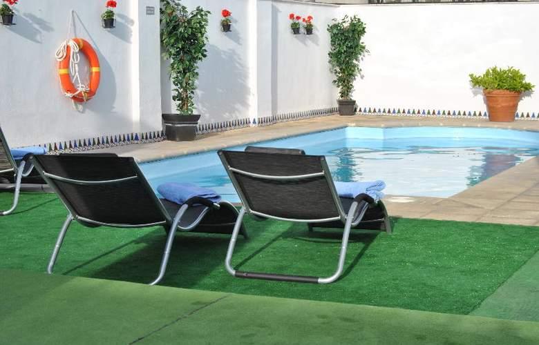 Corona de Granada - Pool - 5