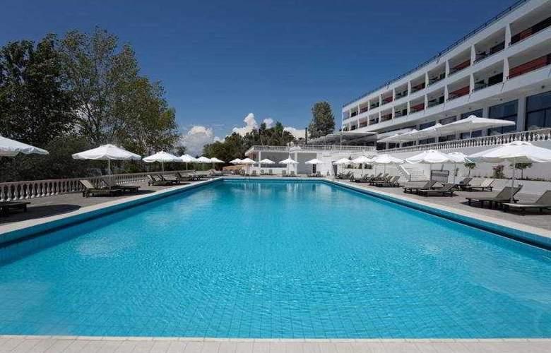Margarona Royal - Pool - 5