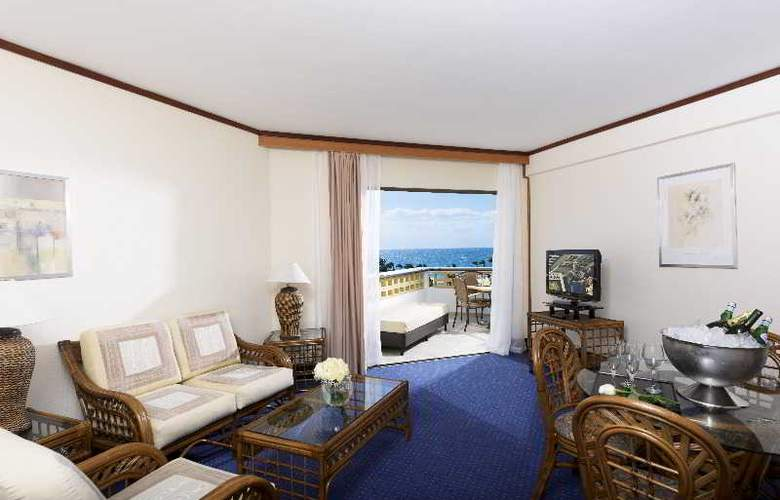 Constantinou Bros Athena Royal Beach Hotel - Room - 14