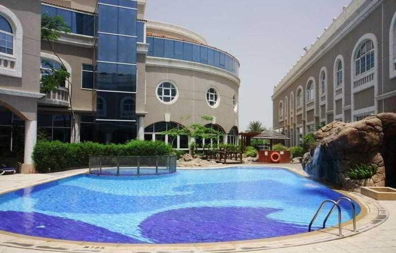 Sharjah Premiere Hotel & Resort - Pool - 3